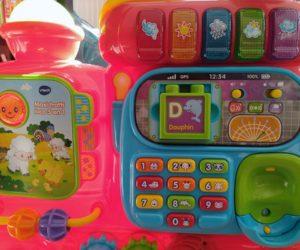 Pousseur bébé train avec panneau d'éveil musical, téléphone et alphabet de Vtech