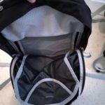 Poche zippée principale sur à dos détachable 11 litres du porte bébé Osprey Poco Ag
