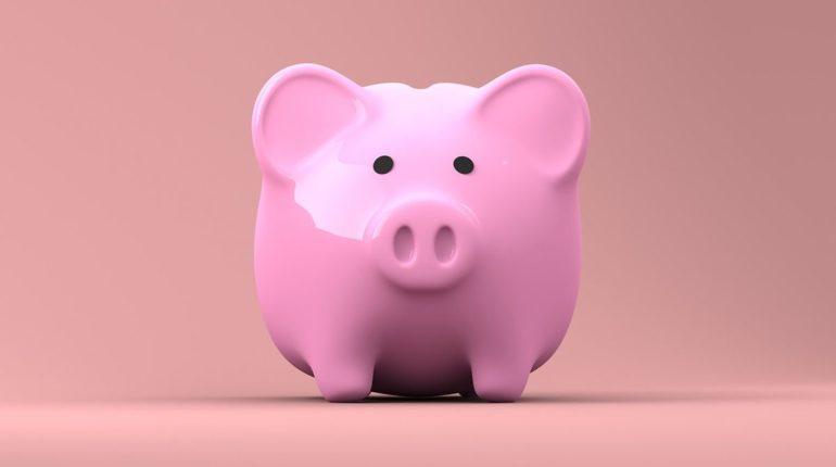 Tirelire cochon rose pour enfant, bonne ou mauvaise idée cadeau ?