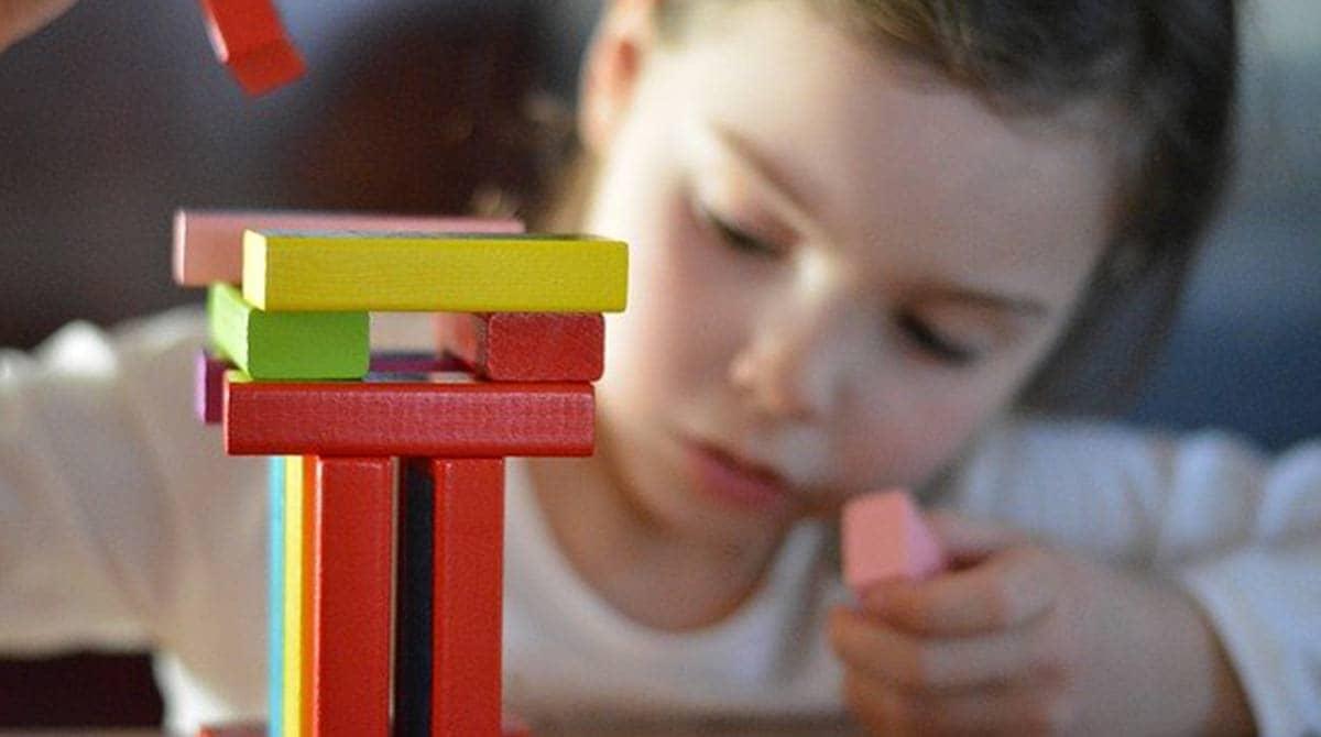 Quels jeux de société choisir pour un enfant de 2 ans ?