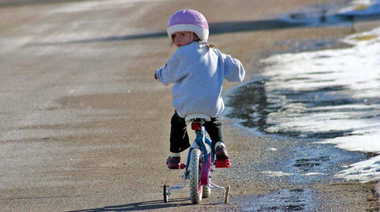 Quand passer de la draisienne au vélo ?