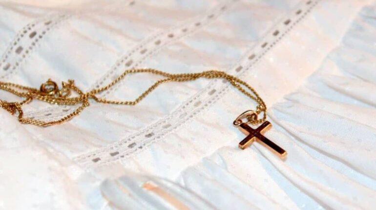 Médaille de baptême dorée